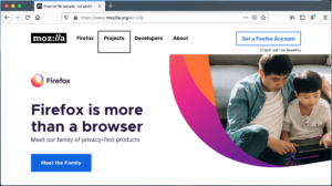 """Screenshot of the Firefox browser window with VoiceOver active and """"Projects"""" link highlighted"""